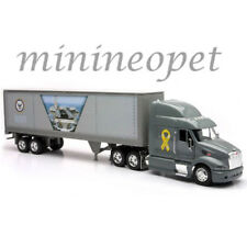NEW RAY 12863 PETERBILT 387 TRAILER NAVY CONTAINER 1/32 GREY
