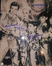 """""""LOST IN SPACE"""" CAST SIGNED 8X10 PHOTO  W/ TODD MUELLER COA"""