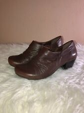 BARE TRAPS Tynessa Womens Cone Heel Booties Brown Leather Slip On Shoes Sz 7.5