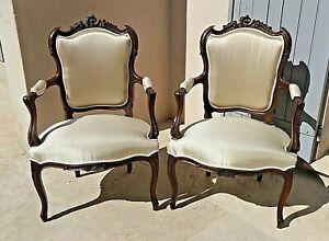 Élégante paires de fauteuils cabriolet Louis XV