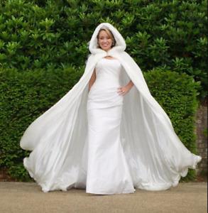 Bridal Cape Wedding Hooded Capes with Faux Fur Trim Warm Winter Wedding Jacket