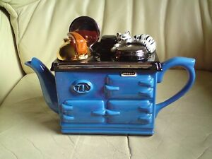 Aga stove range teapot  with cat by Swineside ceramics,RARE BLUE SIGNED,USED.