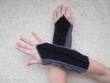 Stulpen Armstulpen Pulswärmer aus Fleece in Schwarz/Grau  warm Trend Handarbeit