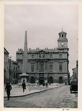 ARLES c. 1930 - Hôtel de Ville - Ph. Collection P.L.M. - 33