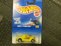 Hot Wheels Neet Streeter Collector #526 Yellow by Mattel (1997) NEW!