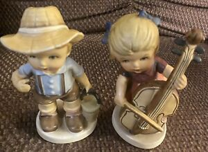 """VINTAGE PAIR OF ARNART FIGURINES """"The Fishing Boy"""" & """"The Musician"""""""