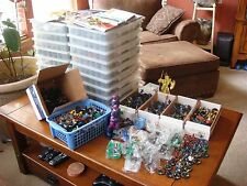 MASSIVE Lot of over 1500 Heroclix w/Extras-Great Collection w/Storage Cases