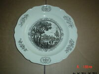 Wedgwood Collectors Plate THE RAYLEIGH TAVERN WILLIAMSBURG VIRGINIA