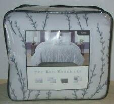 "7 Piece Bed Ensemble King Size Comforter set Size: 102"" x 86"""