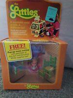Mattel The Littles Belinda Littles & Her Chairs Sealed ,orig. Tag w/ pop up room