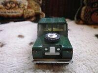 CORGI LAND ROVER 109 vert mat foncé, COMME NEUF, sans boite, voir photos.