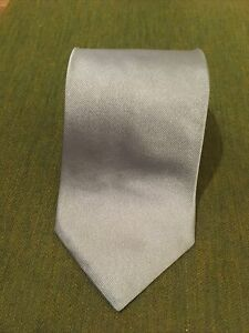Brooks Brothers Men's 100% Silk Solid Silver Makers And Merchants!