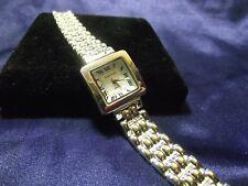Woman's Sergio Valente Watch  with Bracelet Band **Beautiful** B117-110