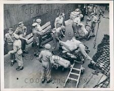 1949 Coldstream & Scots Guards Unload Meat During Dockworker Strike Press Photo