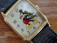 Vintage MICKEY MOUSE WATCH The Walt Disney Company Lorus Quartz V515-5308 Japan