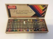 Vintage Talens Holland Fune Pastels Artist Box Set (24) Used