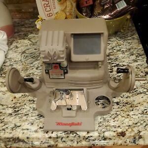 Vintage MANSFIELD Model 950 Portable De Luxe Action Editor 8mm Film