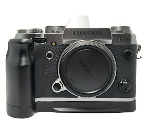 Fujifilm X-T1 Body with 2 betteries,charger,user manual  and alloy hand grip