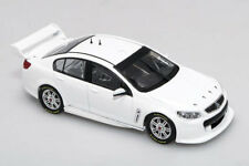 1:43 Biante - Holden VF Commodore - Plain Body White