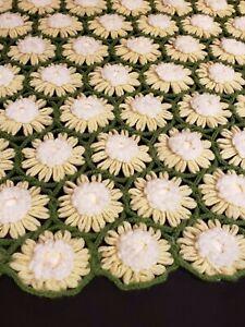 """Vintage Crochet 3-D Daisy Flowers Afghan Throw Blanket 59"""" x 49.5"""""""" Handmade"""