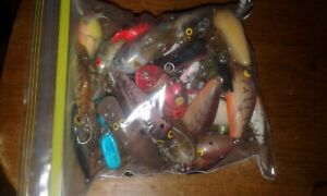 1 Quart Bag Full Of used Fishing Lures - Some Vintage, Junk, Beaters. Fish Baits