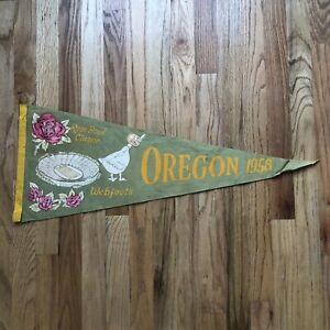 Vintage 1958 Oregon Ducks Webfoots NCAA Rose Bowl Classic Green Football Pennant