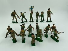 LOT 17 SOLDATS STARLUX FRANCE PLASTIQUE PEINT ARMEE ETRANGERE F277