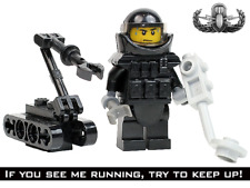 Swat Police Office Bomb Squad Eod Tecnician robot made w real Lego ® Minifigure