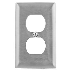 Hubbell SS8 Receptacle Wall Plate