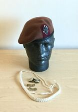 Beret, Shoulder Titles, Collar Badges & Lanyard. King's Royal Hussars. 54cm. 00.