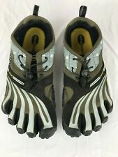 VIBRAM Five Fingers Men's Running Trail Shoes.  Toe Separate.  Machine Wash Warm