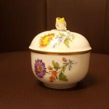 Sehr schöne Meissen kleine Zuckerdose  Bunte Blume mit Goldrand 1. Wahl