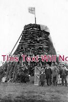 DR 439 - George V Coronation Bonfire, Brimington, Derbyshire 1911 - 6x4 Photo