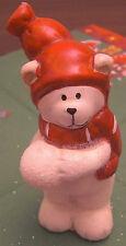 Weihnachten Teddybär weiß mit Schneeball rechts Mütze 11 x 6 cm Keramik Deko Neu