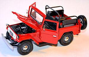 Toyota Land Cruiser FJ40 Open 1960-84 Red 1:24