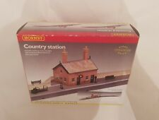 HORNBY R8000 COUNTRY STATION BUILDING NEW OO GAUGE