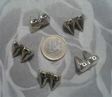 (R-9144)  15 TACHUELAS PINCHOS CLOROCAUCHO COLOR ORO  19 X 15 mm  ABALORIOS