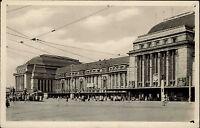 Leipzig DDR s/w Postkarte 1955 Tram Straßenbahn am Hauptbahnhof Eingang Personen