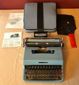 Olivetti Underwood Lettera 32 Mid Century Modern Typewriter w/Case Beautiful!