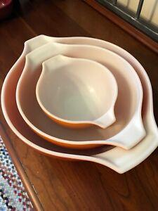 Vintage Pyrex Autum Harvest Wheat Nesting Bowls
