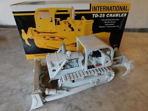 FIRST GEAR INTERNATIONAL TD-25 CRAWLER 1/25