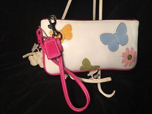 COACH Rare Leather Butterfly & Daisy Floral Appliqué White Wristlet Wallet Purse