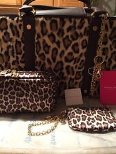 SAMANTHA THAVASA DELUXE FAUX LEOPARD TOTE COSMETIC POUCH WRISTLET BAG CHARM NEW