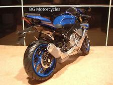 1:12 Yamaha R1 R1M Superbike FACTORY BLUE SILVER yrt BSB WSBK TT Excelente Modelo