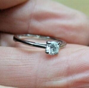 9ct WHITE GOLD SOLITAIRE RING SET WITH 0.25ct DIAMOND  UK SIZE J