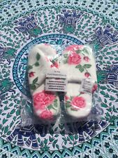 Floral White Slippers Size 4/5