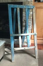 Country style easel stand