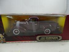 1:18 Road Signature #92458 1937 Studebaker Coupe Express Pick up Purple Rarity §