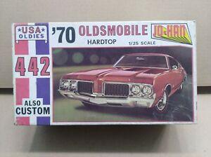 Vintage Johan USA OLDIES 1970 Oldsmobile 442 Hardtop in 1/25th scale.