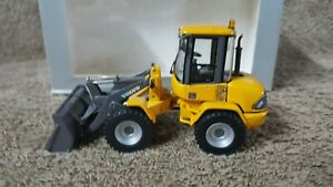 VOLVO L35B FRONT END LOADER 1:50 SCALE DIE CAST BY VOLVO CONTRUCTION EQUIPMENT